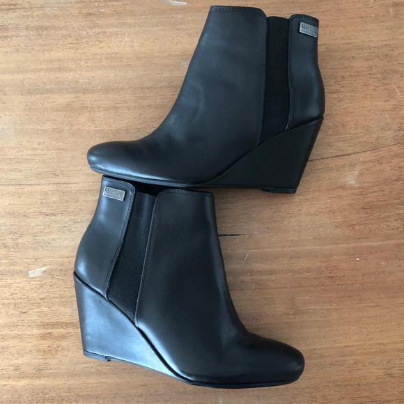 Black ankle boots Kenneth Cole size 7